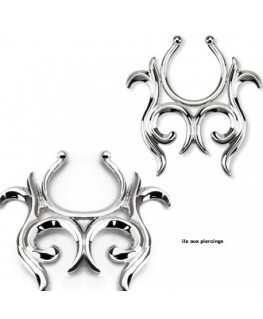 faux piercing téton tribal