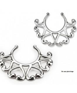 faux piercing téton couronne de fleur