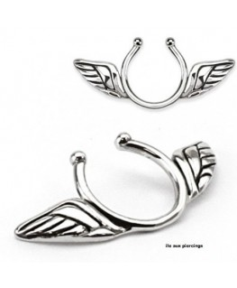 faux piercing téton aile d'ange